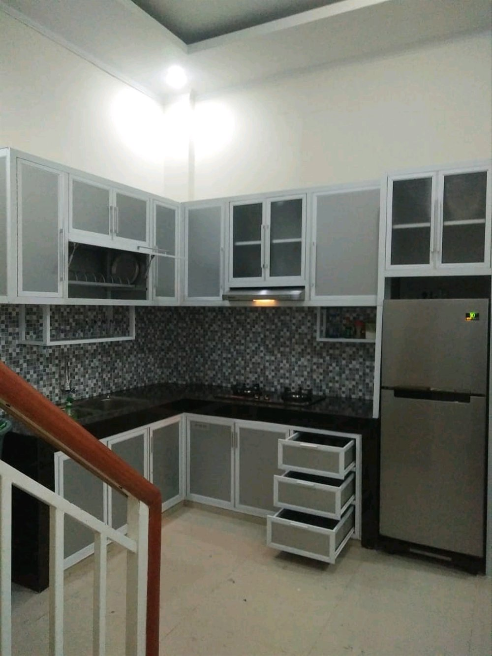 Model Rak Kitchen Set Aluminium
